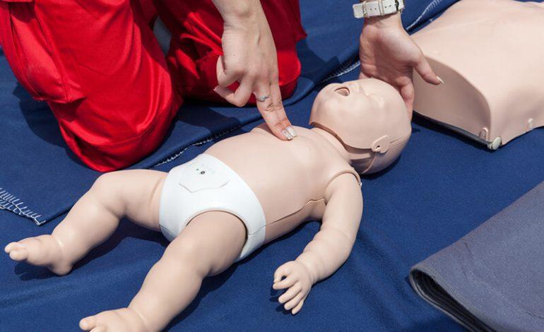 Πρώτες βοήθειες σε βρέφη και παιδιά (ΚΑΡΠΑ)