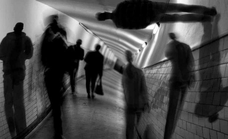 Τι είναι η ψύχωση; Συμπτώματα – Παράγοντες κινδύνου – Θεραπεία